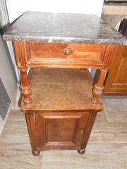 Nachttisch antik