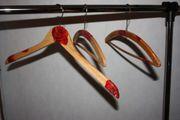 3 signiert antike Holz Kleiderbügel
