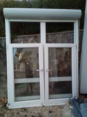 2 Kunststofffenster mit elektrischem Rollladen