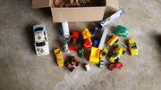 Spielzeugfahrzeug Paket - Auto s usw