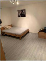 1-Zimmer Souterrain Wohnung mit Bad