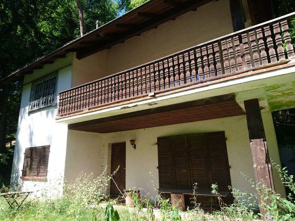 Haus im Wald bei Ramberg