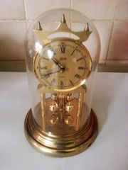 Vintage Drehpendel-Uhr mit Quartzwerk