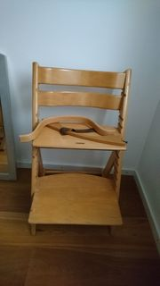 Jeweils 2 Kinderstuhl aus Echtholz
