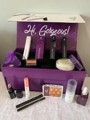 Younique Beautybox
