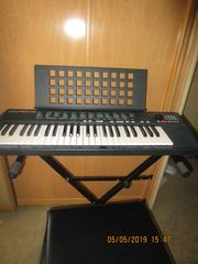 Yamaha PSR 75 Keyboard