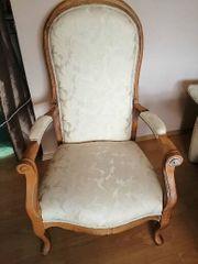 Schöner gut erhaltener Sessel mit