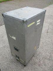 Haubencase Flightcase Alu rollbar Haubenbox