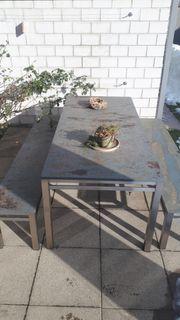 Tischgarnitur für den Aussenbereich