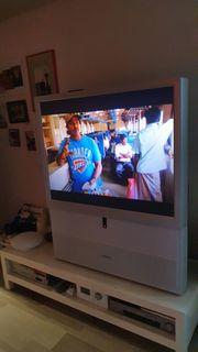 TV-Toshiba mit Rückprojektion mit digitalem