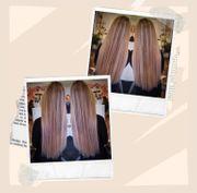 Blonde lange gesunde Haare mit