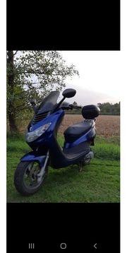 peugeot Motorroller versichert und fahrbereit