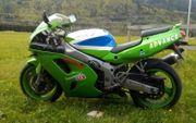 Wunderschöne Kawasaki 750 ZXR abzugeben