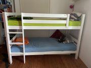 Etagenbett für Kinder mit Rutsche