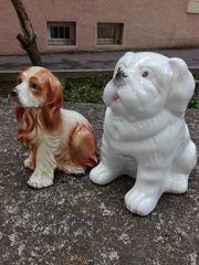 Porzellanhunde und Dekovase