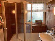 Einklappbare Badewannenduschwand