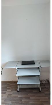 Computer Tisch aus Metall B125