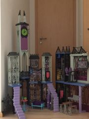 Monster High Schloss