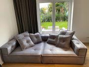 Nagelneues Sofa Die Wäscherei zu