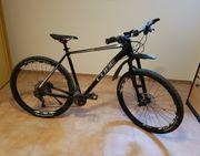 Mountainbike Fahrrad cube schwarz
