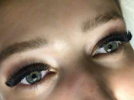 Kosmetik und Schönheit - Wimpernverlängerung Lash Lifting für Wimpern