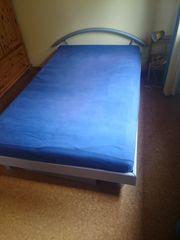 Schönes Bett