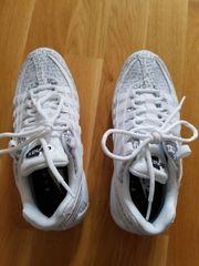 Ich verkaufe meine Nike Air