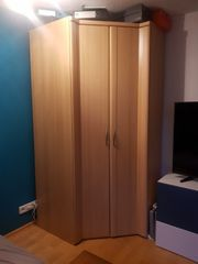Eck-Kleiderschrank