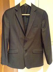 Anzug in Größe 152