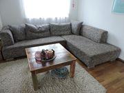 Bequeme Couch mit großem Stauraum