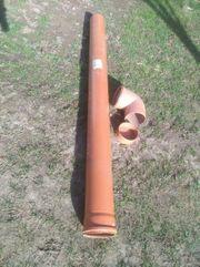 Kanal Rohr mit Bogen und