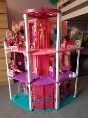 Barbie Traumhaus mit massenhaft Zubehör