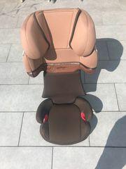 Auto-Kindersitz Gr II III