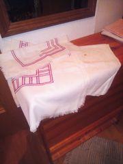 Uromas Tischdecken