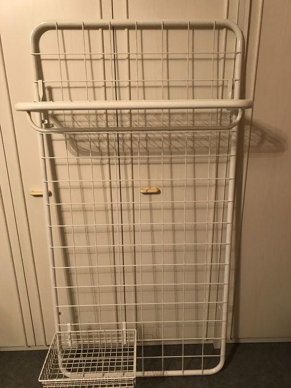 Wand-Garderobe