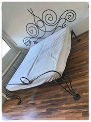 Wunderschönes handgemachtes Eisenbett aus Italien