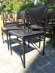 16 Stühle