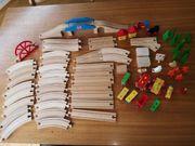 Holzeisenbahn und Holzbauklötze
