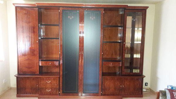 Wohnzimmerschrank und vitrine