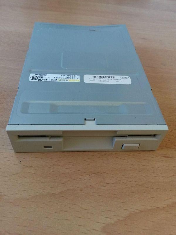 TEAC Diskettenlaufwerk FD-235HF
