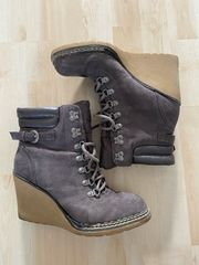 Stiefel mit Keilabsatz zu verkaufen