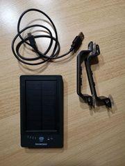 Powerbank mit Solarladefunktion zum Aufladen