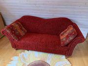 Schickes 2-Sitzer-Sofa in tollem Rotton