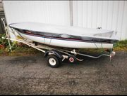 Boot mit Anhänger und Motor
