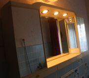 Beleuchtbarer Badezimmer-Spiegelschrank