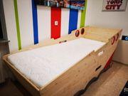 massives Kinderbett in Bootform Gr