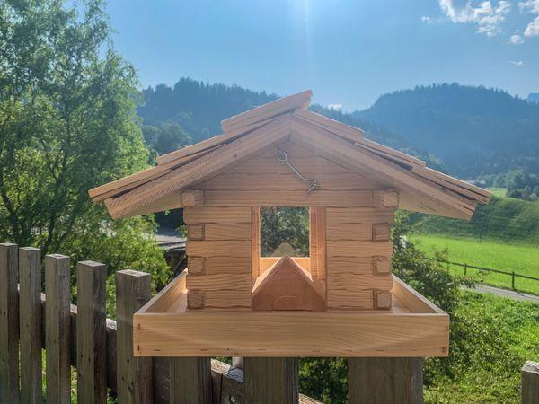 Vogelfutterhäuschen Vogelhaus