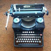 Alte Triumph Schreibmaschine