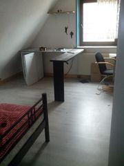 Einfaches Zimmer in 3erWG möbl