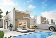 Kleines Einfamilienhaus mit privatem Pool